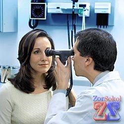 Тщательное обследование глазного дна и сетчатки глаза
