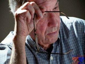 Нервный тик у пожилых людей