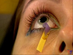 Одно из показаний - синдром сухого глаза