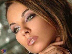Хороший макияж может сделать из женщины королеву