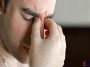 Триада признаков кератита: блефароспазм, слезотечение и светобоязнь