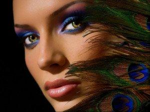 С помощью цветных линз можно улучшить или изменить цвет глаз