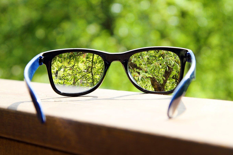 Как восстановить зрение специальными очками