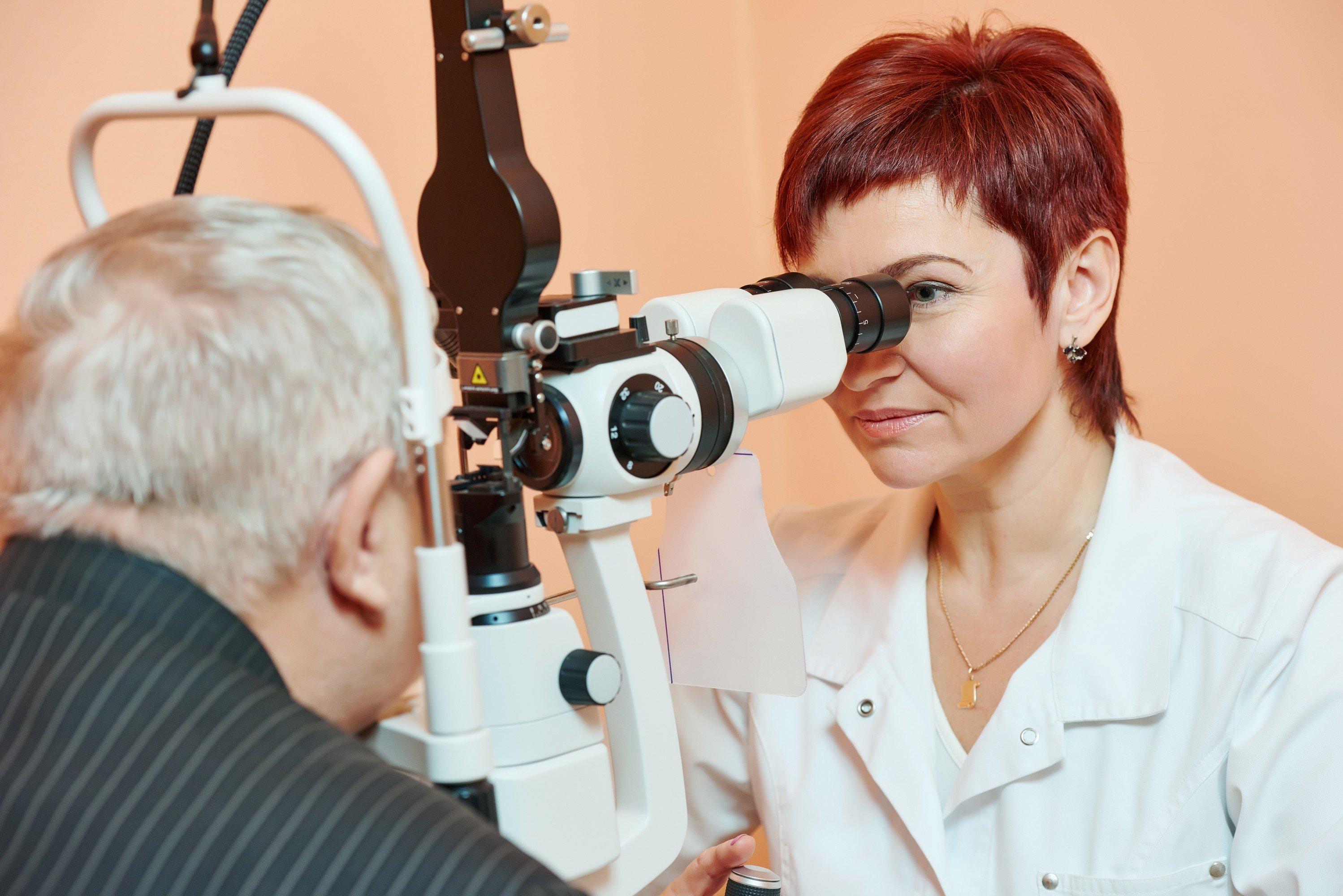 Optometrist vs ophthalmologist